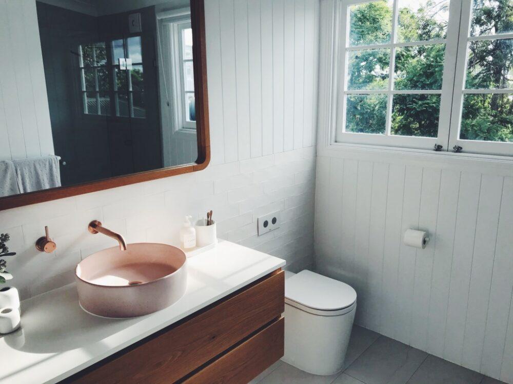 洗面所のアクセントクロス事例